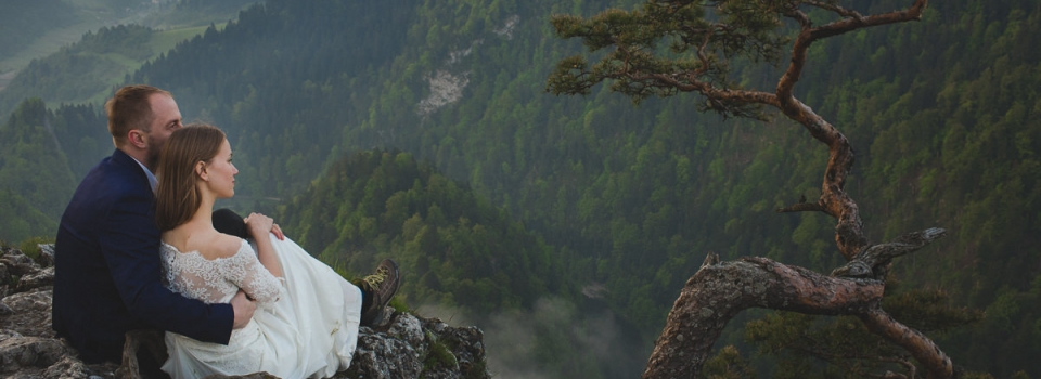 Mountain Wedding Anniversary Photoshoot