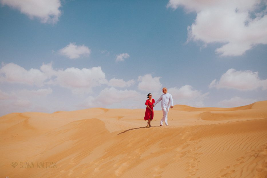 Engagement photography at Wahiba Sands desert in Oman