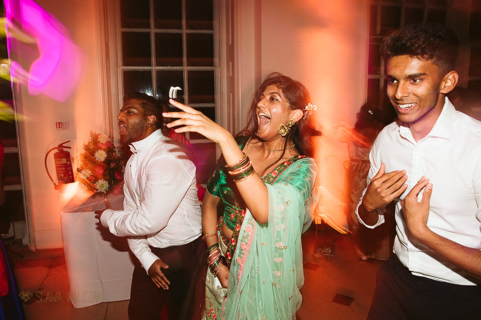 Asian Wedding party photos from the Ornagery Kew Gardens