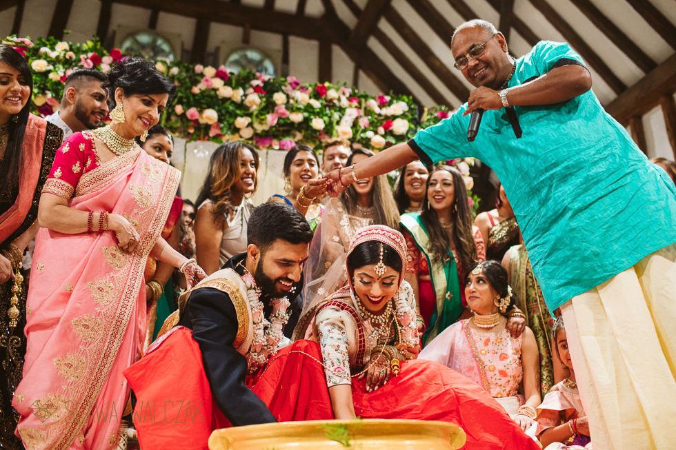 Hindu wedding photos from The Great Barn at Headstone Manor Harrow
