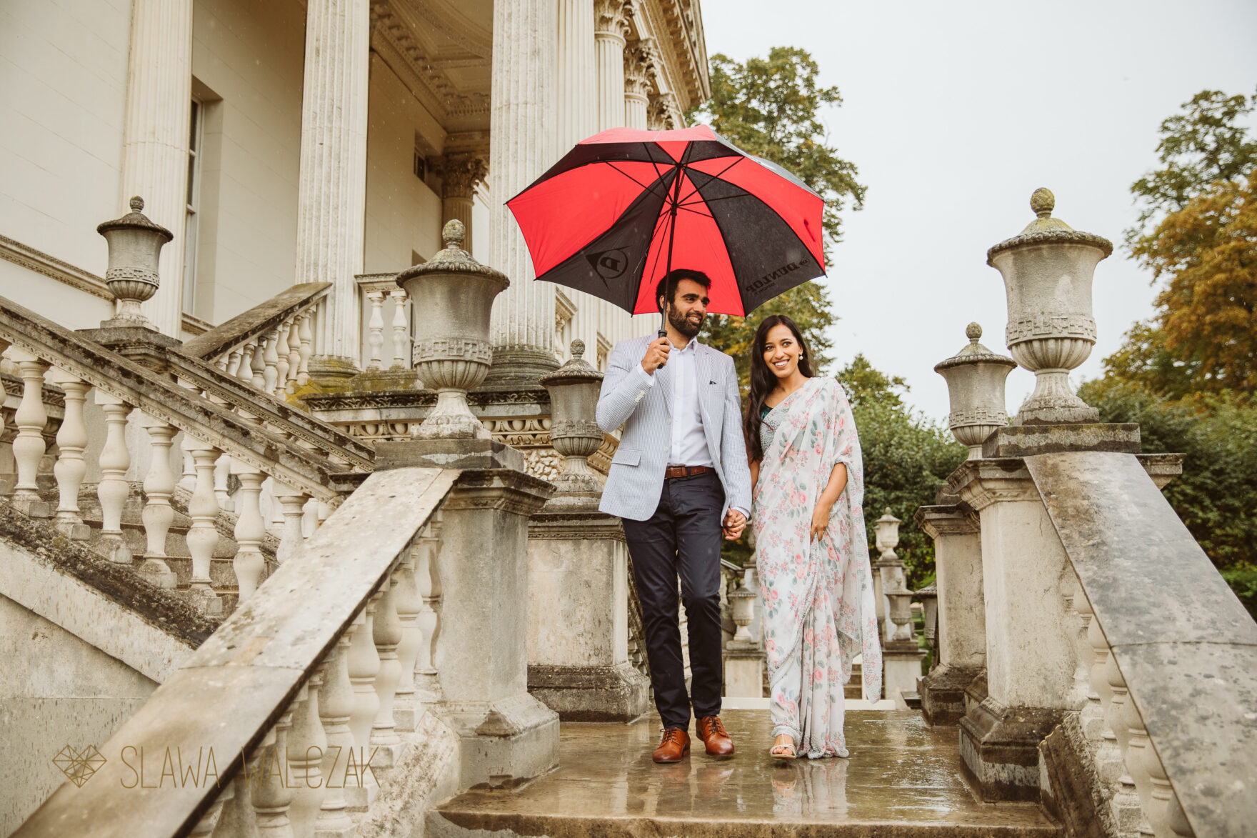pre wedding photo shoot on a rainy day in London